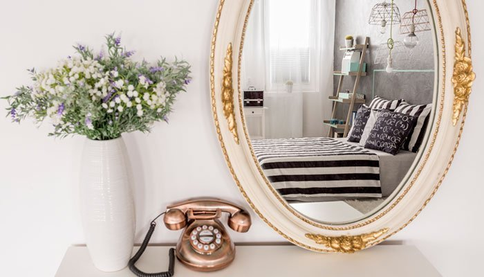 Готовые зеркала в багетной раме