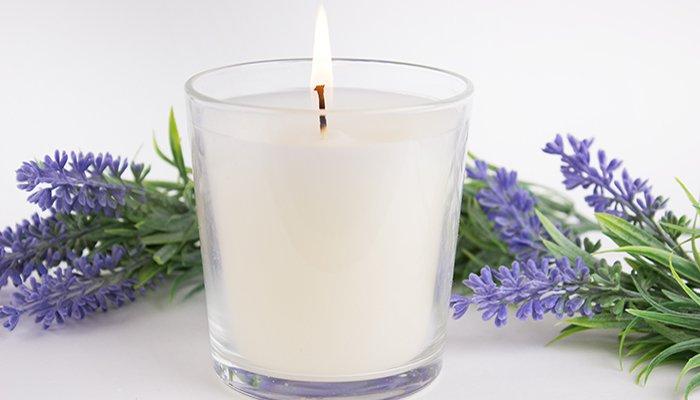 Ароматизированные свечи в стакане